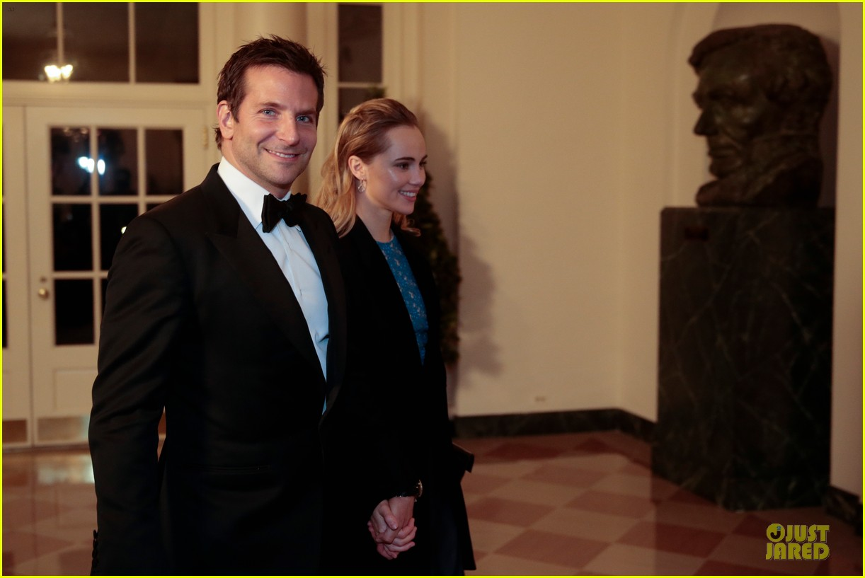 bradley cooper suki waterhouse hold hands at white house dinner 013051734