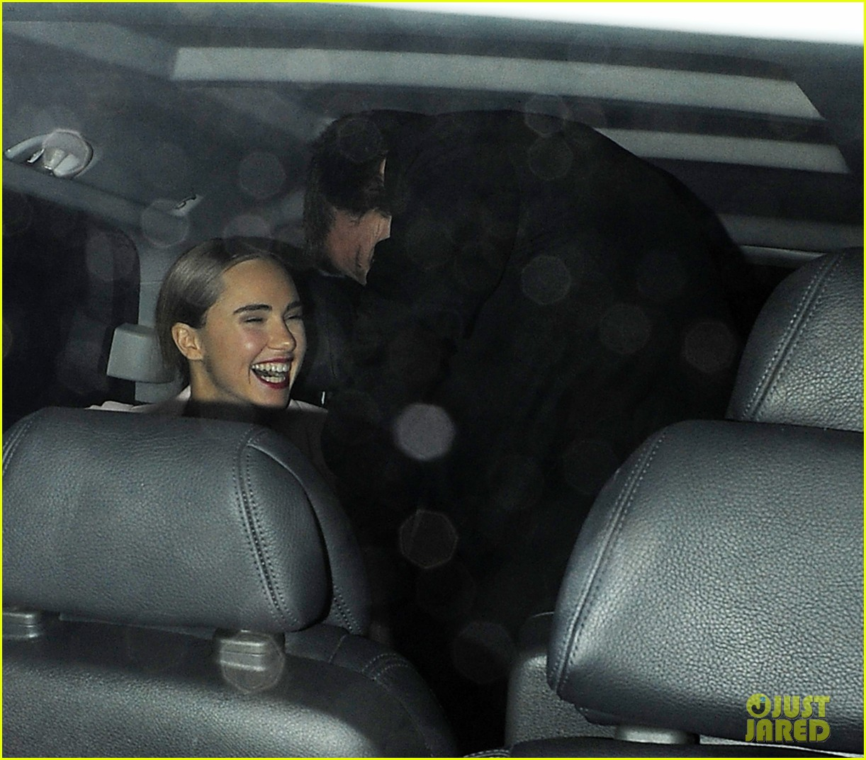 bradley cooper suki waterhouse pre baftas party pair 033054227