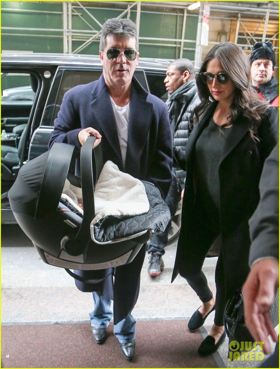 simon cowell lauren silverman leave hospital with baby eric 013054725