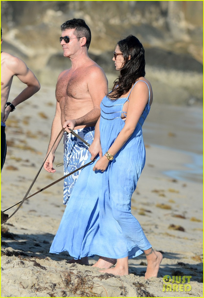 shirtless simon cowell and lauren silverman post baby beachside stroll 043059183