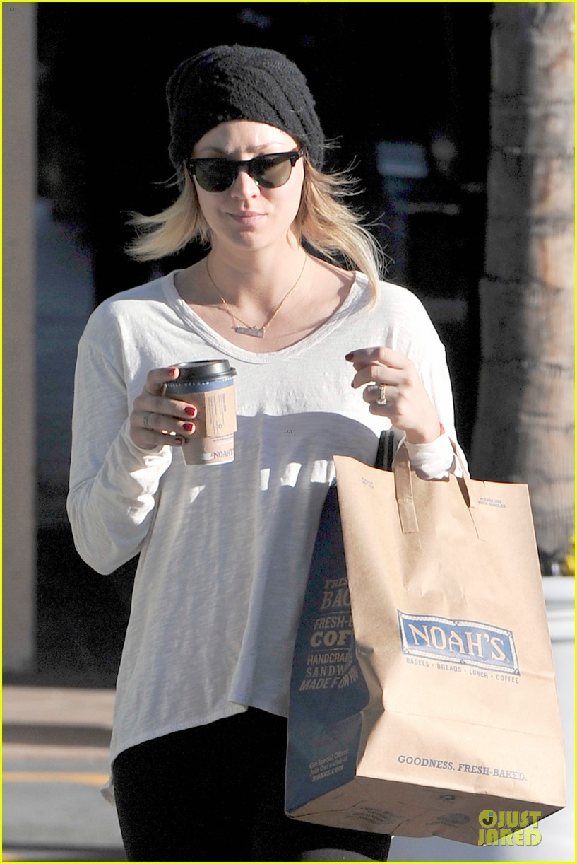 kaley cuoco gets perfect valentines day ever with ryan sweeting 023053755