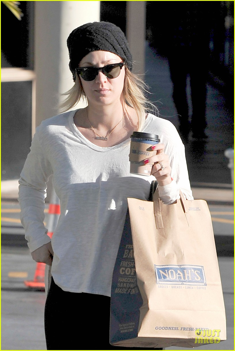 kaley cuoco gets perfect valentines day ever with ryan sweeting 043053757
