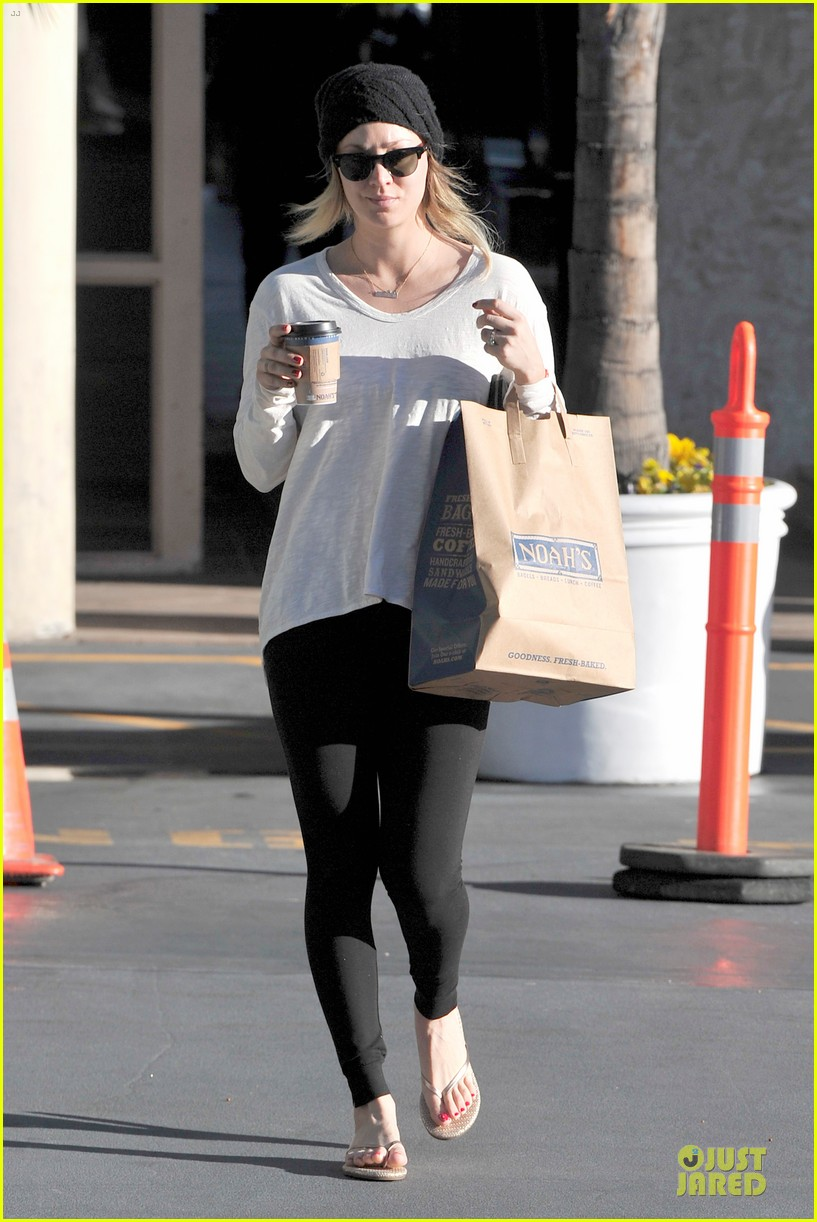 kaley cuoco gets perfect valentines day ever with ryan sweeting 073053760