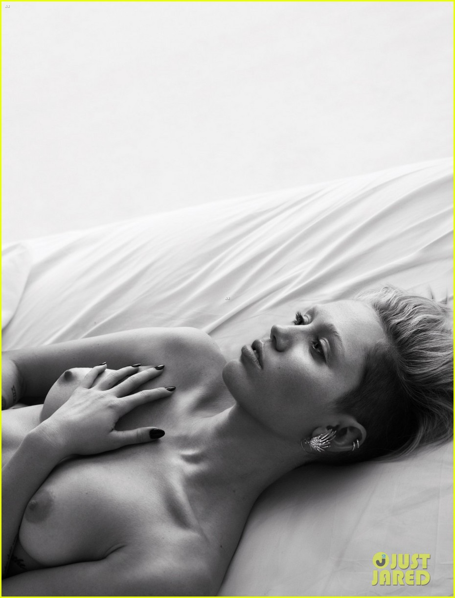 mileys-topless-picture-naked-candy-nubiles