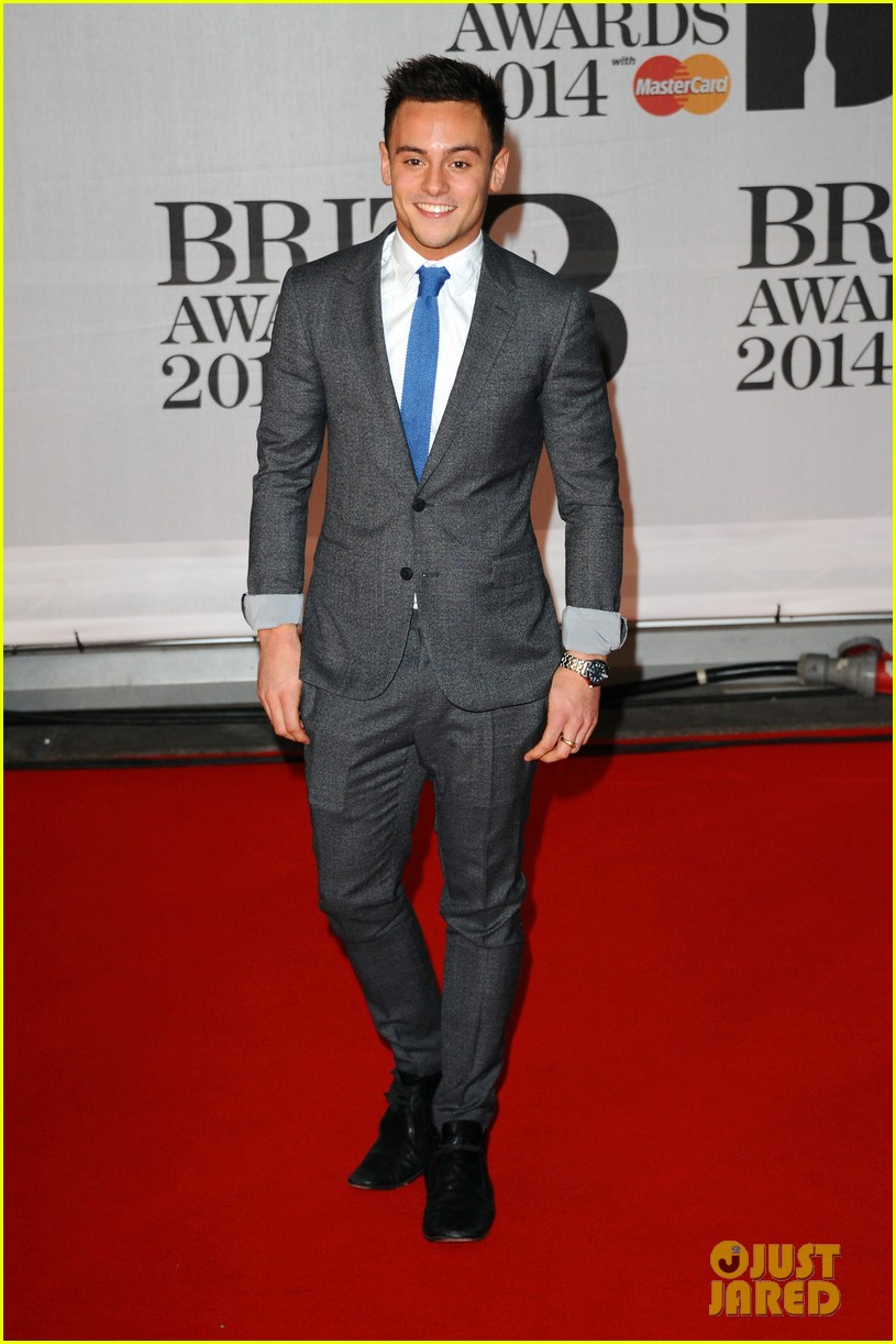 tom daley brit awards 2014 red carpet 013056335