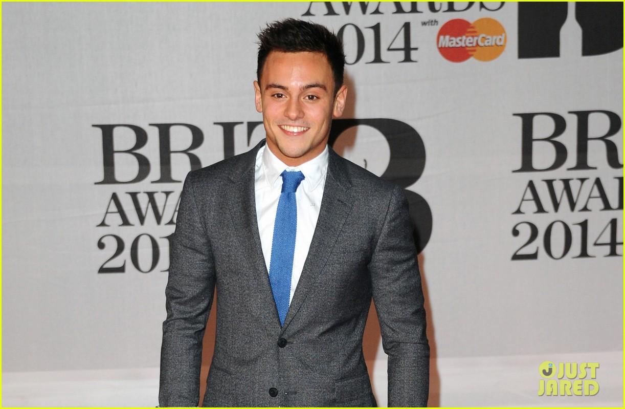 tom daley brit awards 2014 red carpet 023056336