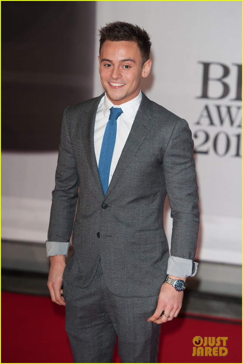 tom daley brit awards 2014 red carpet 033056337
