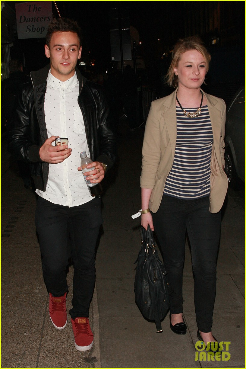 tom daley steps out with his dustin lance black phone case 033061986