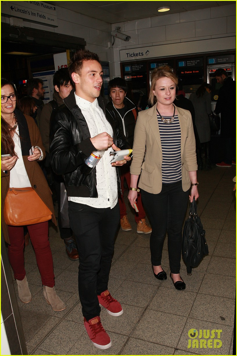 tom daley steps out with his dustin lance black phone case 083061991