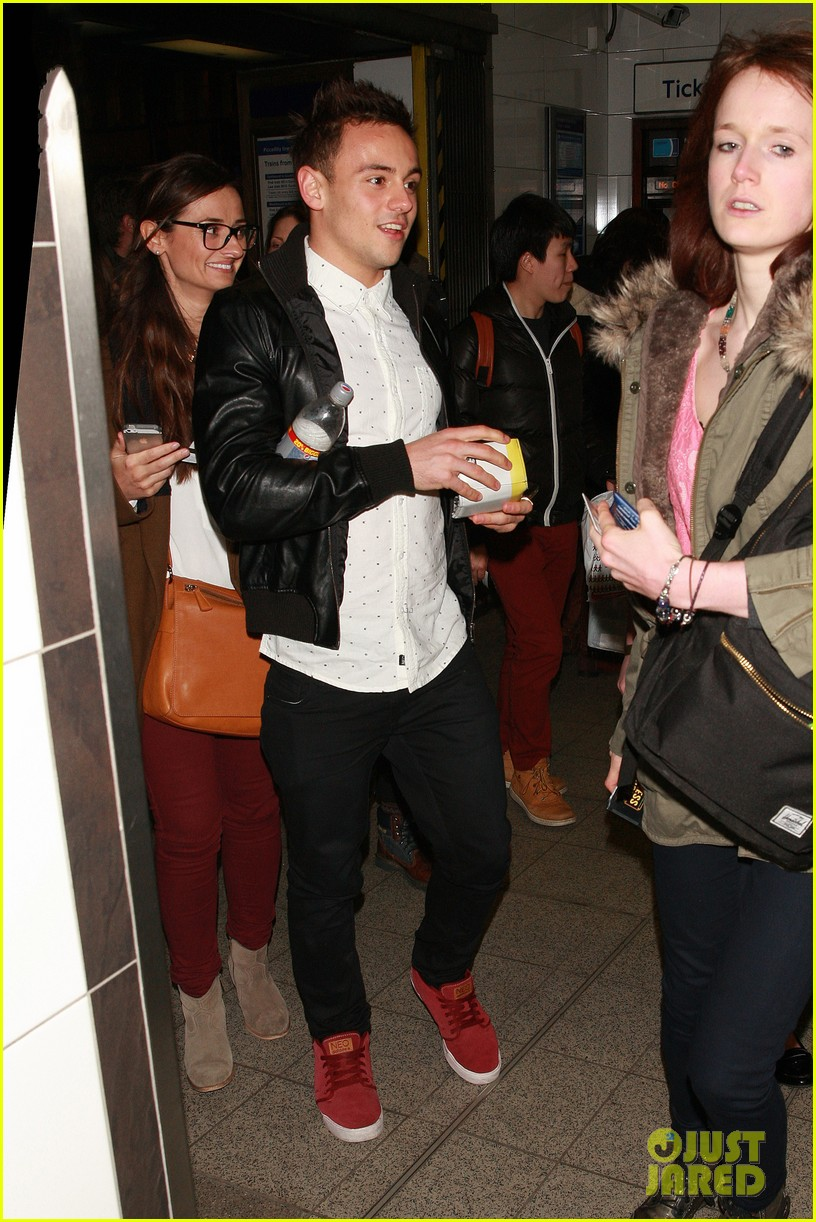 tom daley steps out with his dustin lance black phone case 093061992