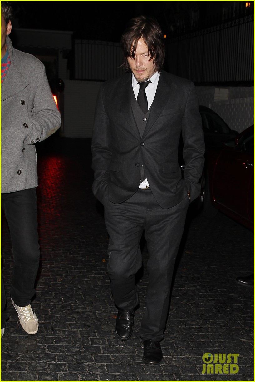 norman reedus steps out with castmates before walking dead premiere 073050112