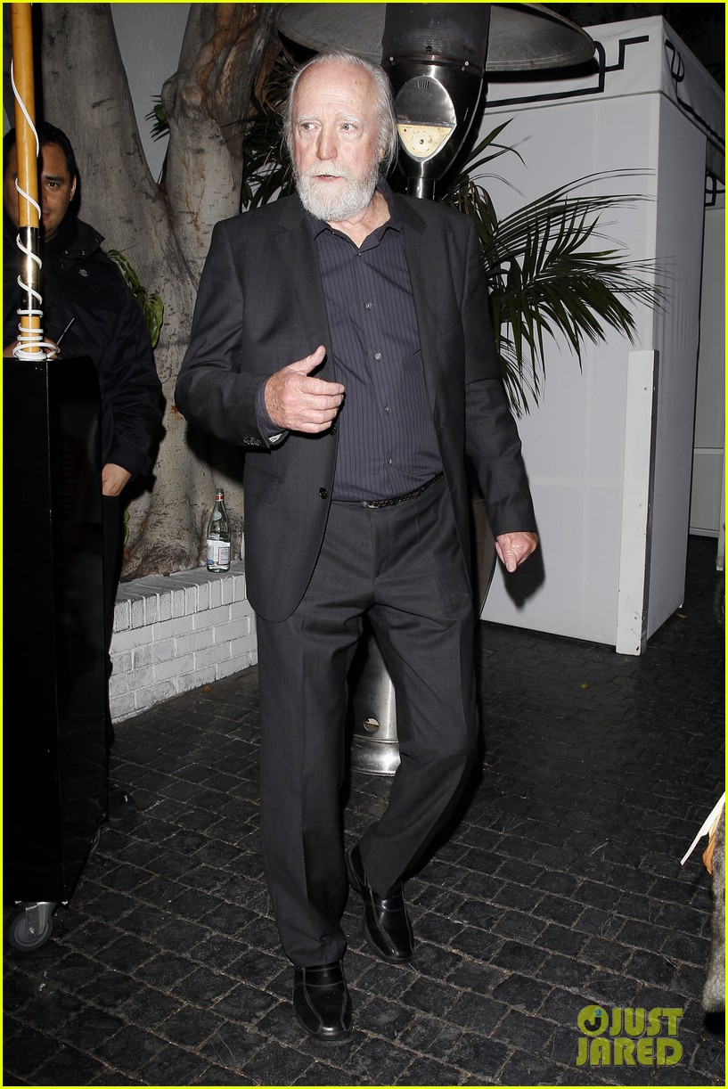 norman reedus steps out with castmates before walking dead premiere 133050118