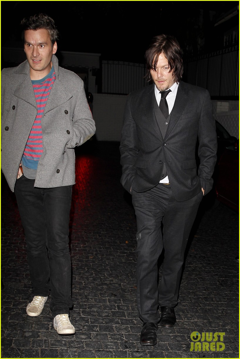 norman reedus steps out with castmates before walking dead premiere 143050119