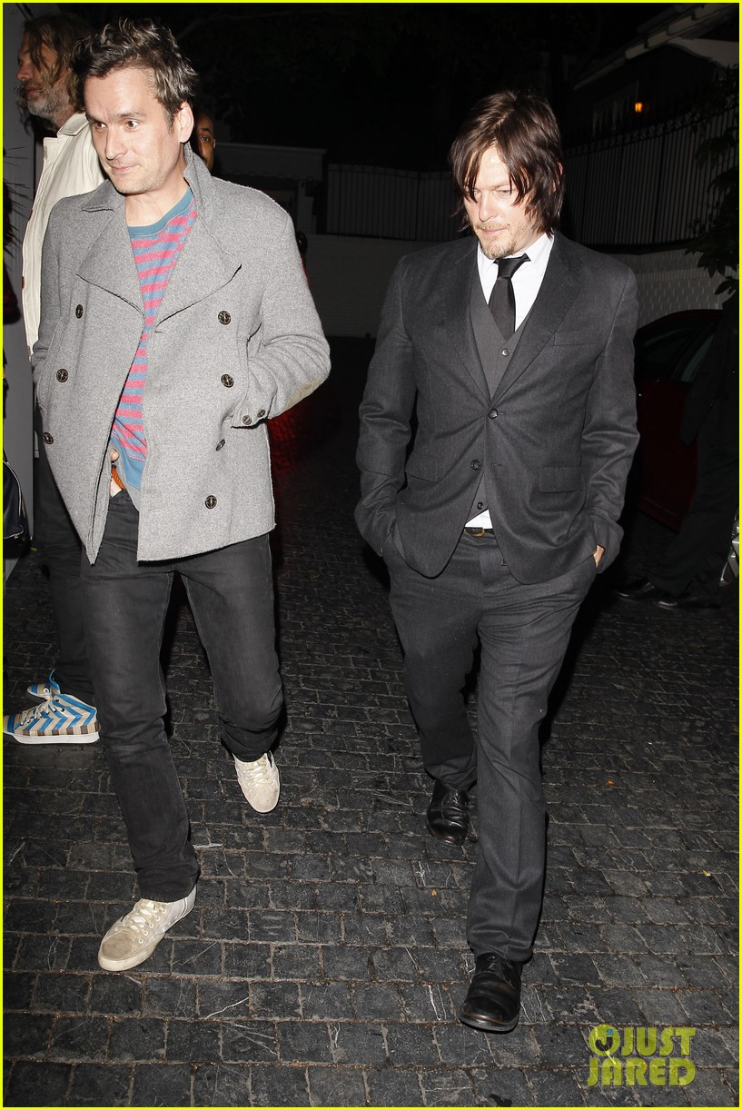norman reedus steps out with castmates before walking dead premiere 203050125