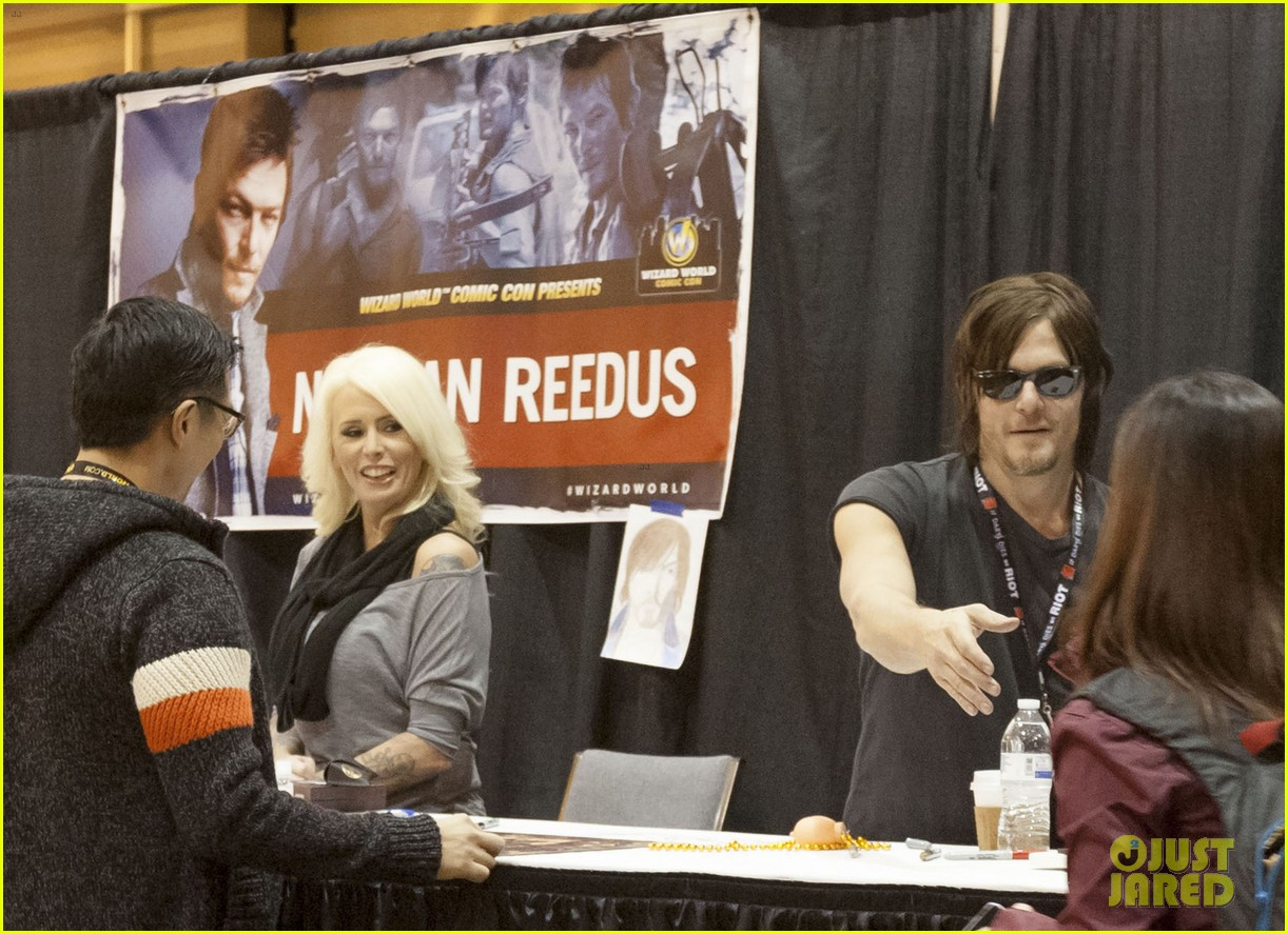 norman reedus steps out with castmates before walking dead premiere 213050126
