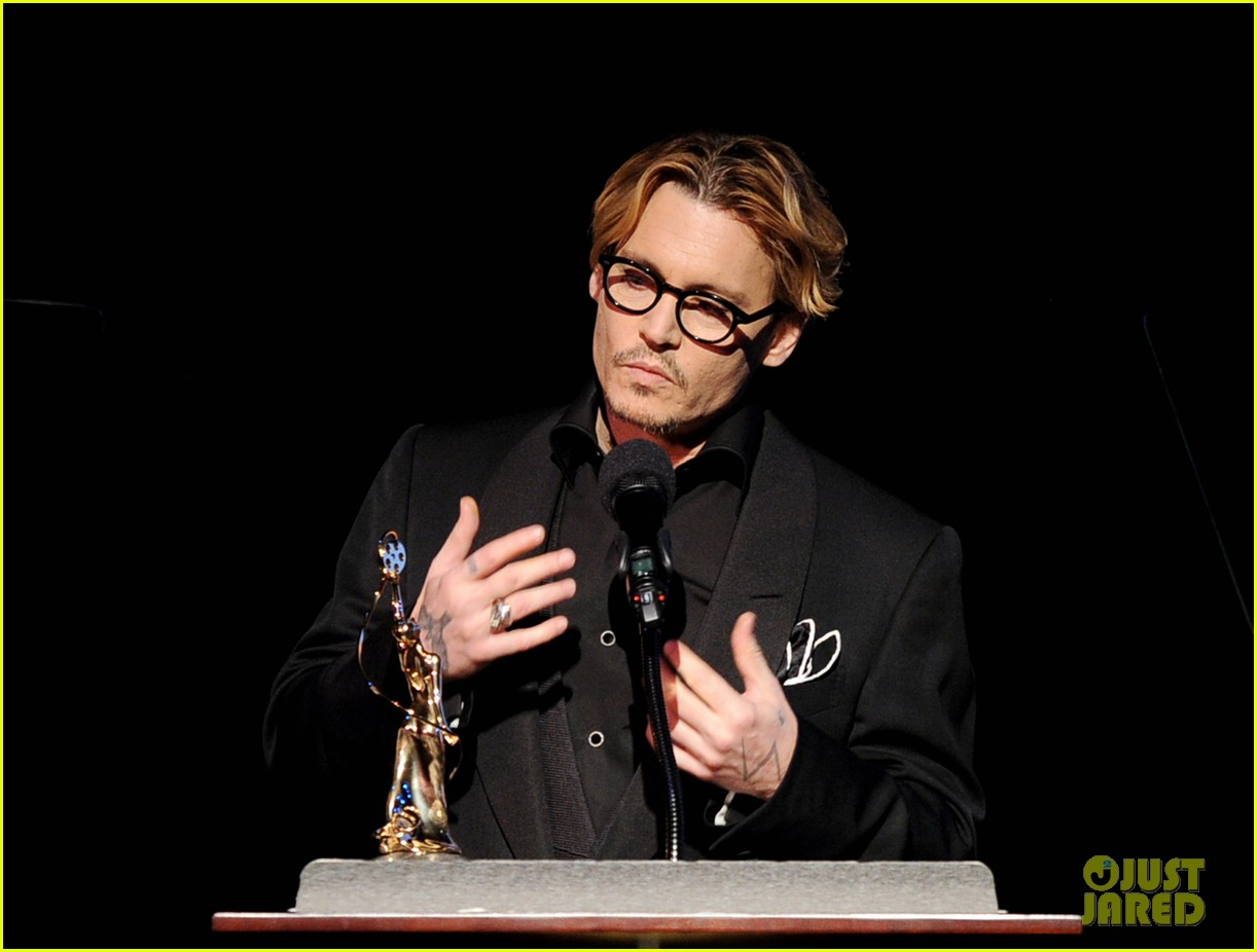 johnny depp make up artists hair stylists guild award recepient 2014 033054336