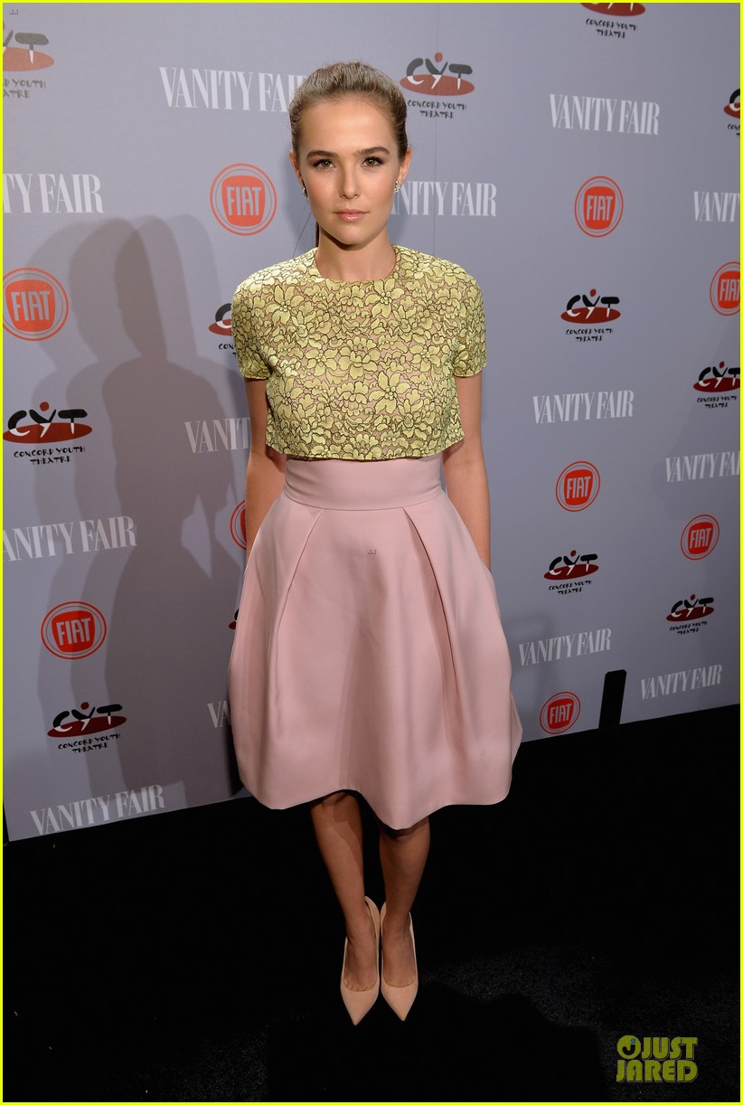 zoey deutch rumer willis vanity fair young hollywood party 03