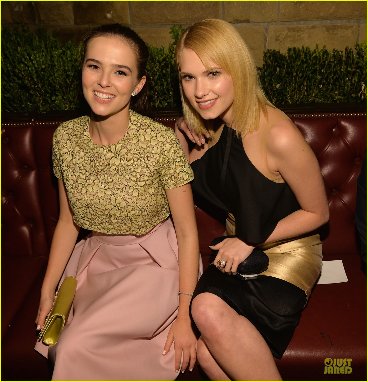 zoey deutch rumer willis vanity fair young hollywood party 08