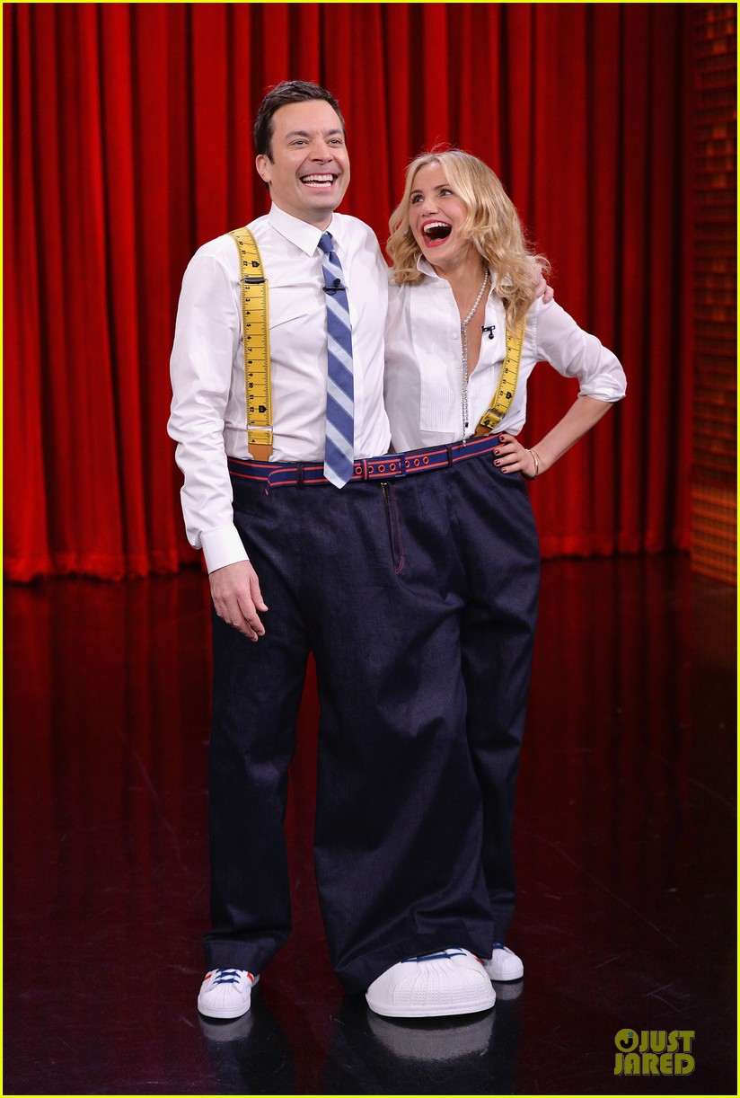 cameron diaz jimmy fallon share huge pants for tonight show dance 013062550
