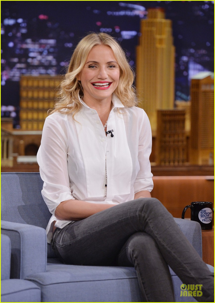 cameron diaz jimmy fallon share huge pants for tonight show dance 023062551