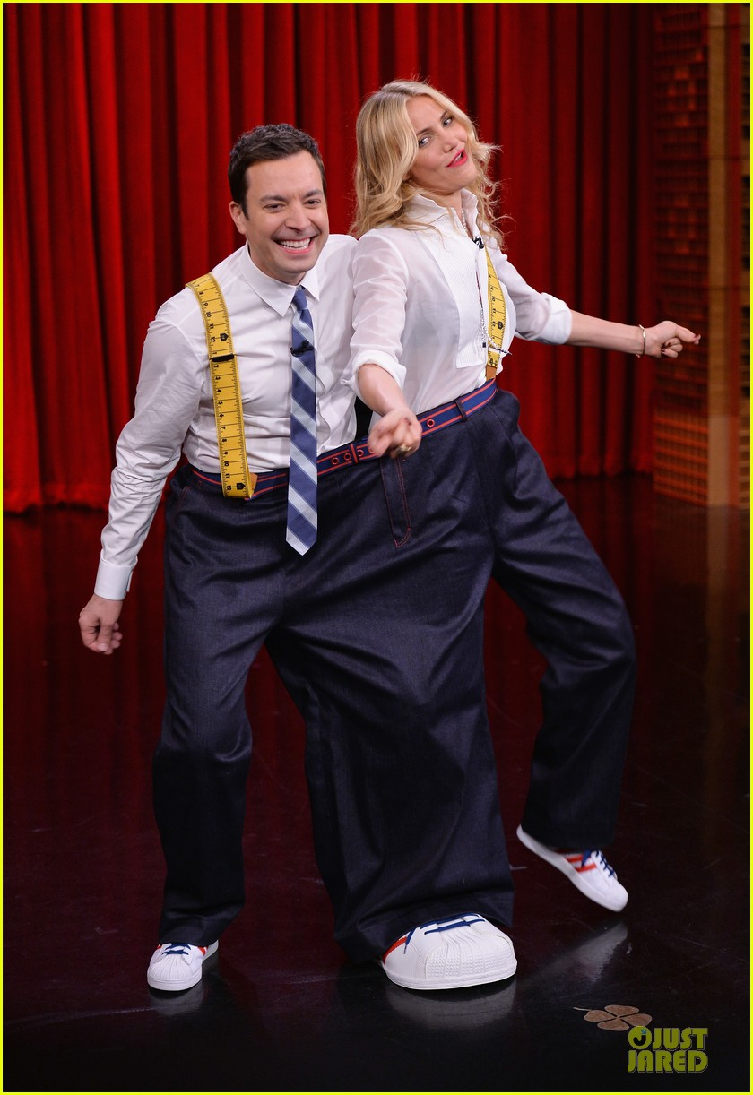 cameron diaz jimmy fallon share huge pants for tonight show dance 033062552