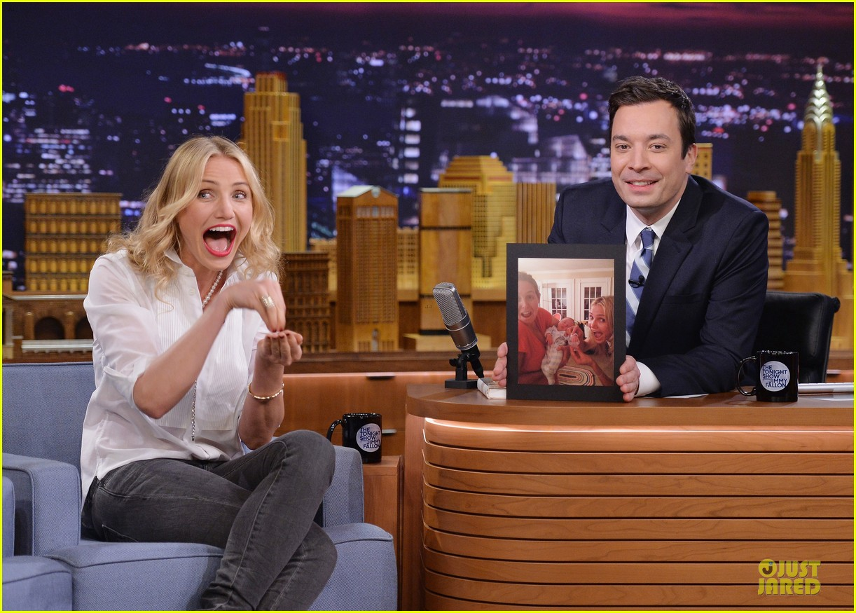 cameron diaz jimmy fallon share huge pants for tonight show dance 043062553