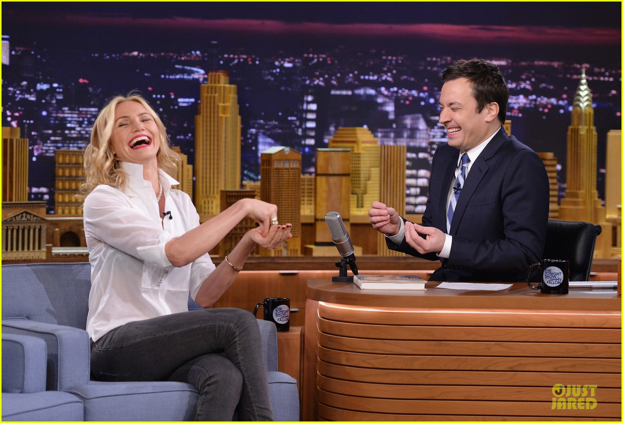 cameron diaz jimmy fallon share huge pants for tonight show dance 11