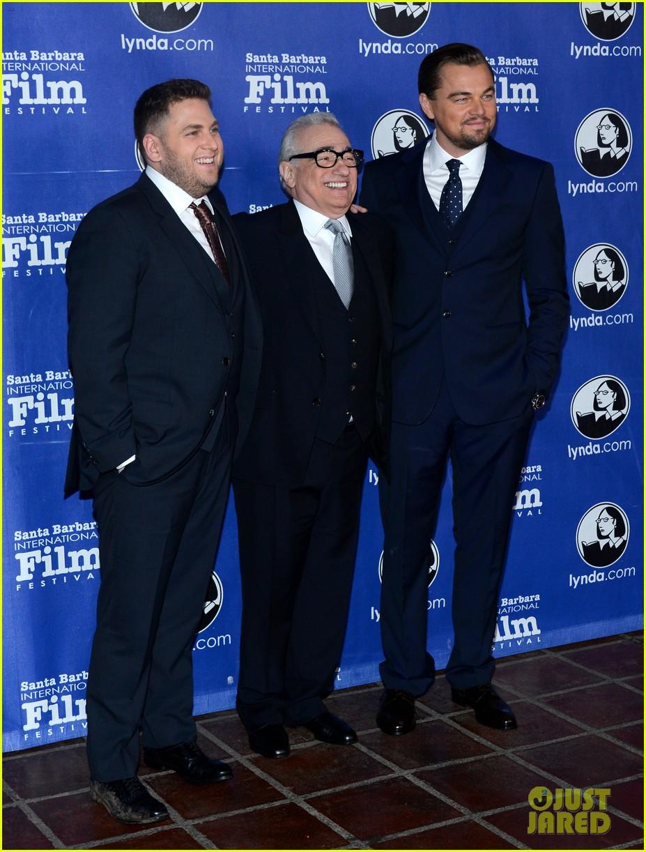 leonardo dicaprio suits up to receive cinema vanguard award 013048973