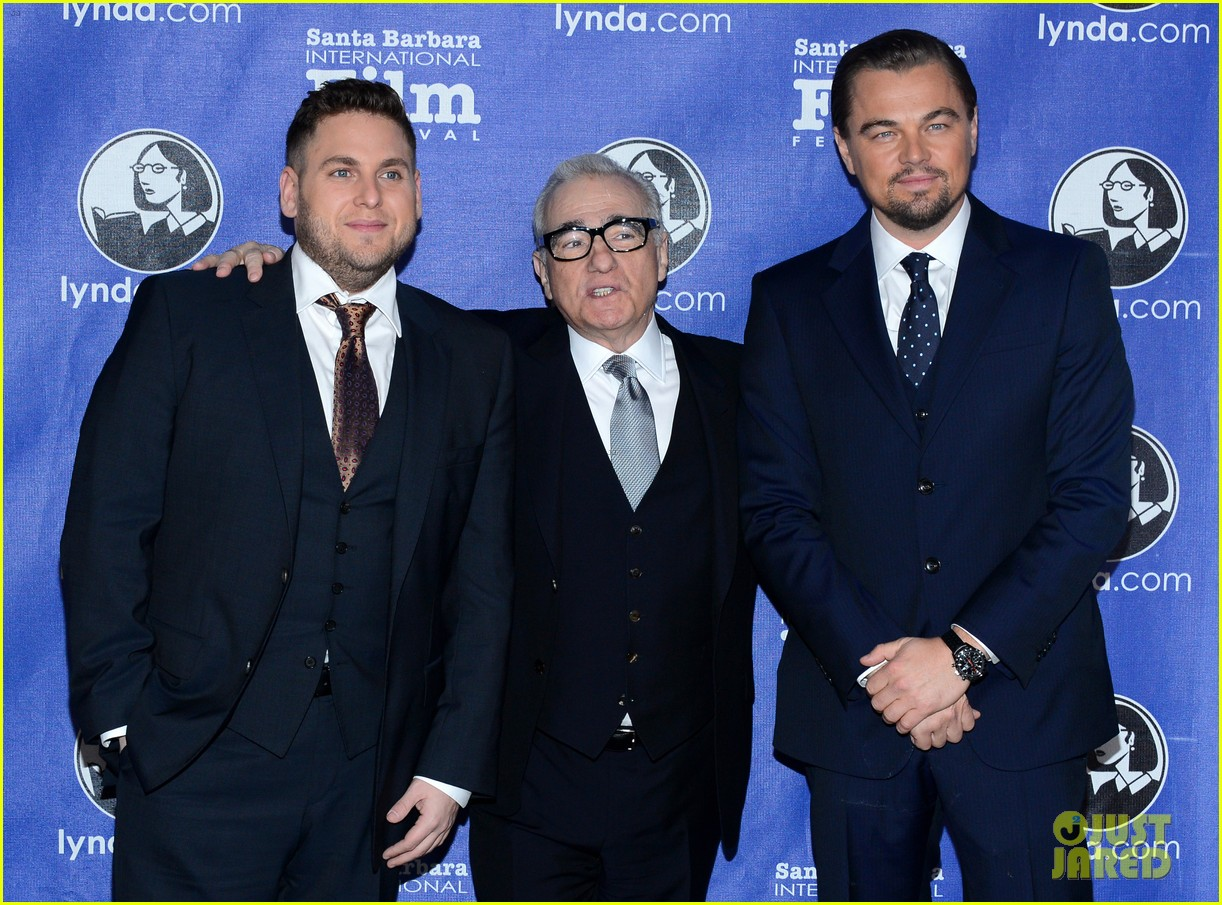 leonardo dicaprio suits up to receive cinema vanguard award 113048983