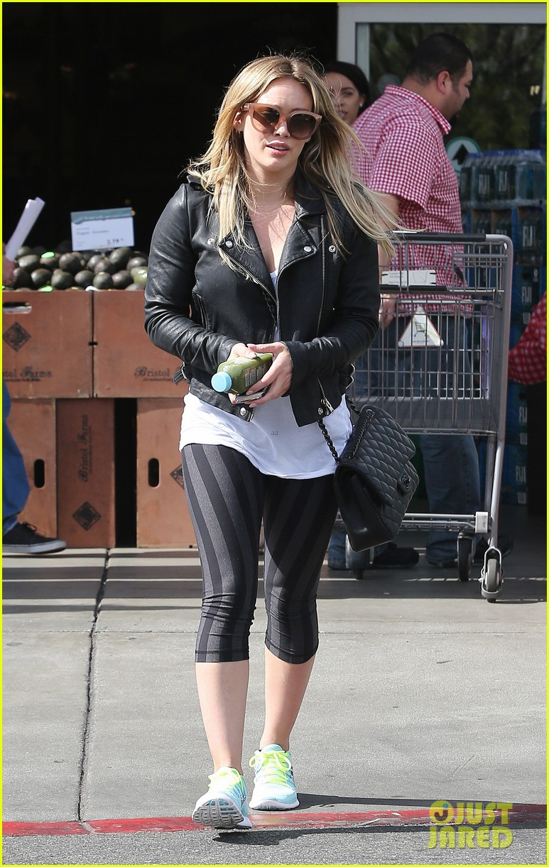 hilary duff beverly hills shopper with son luca 093057886