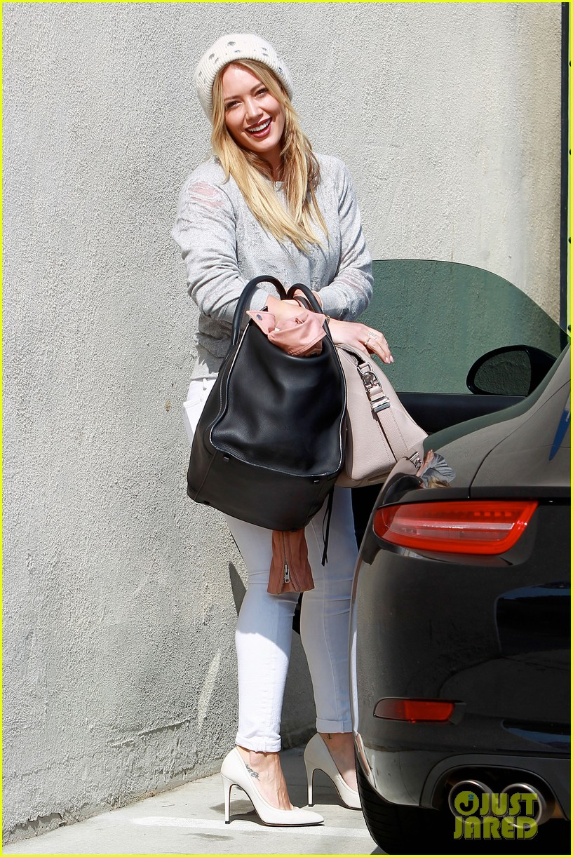hilary duff beverly hills shopper with son luca 12