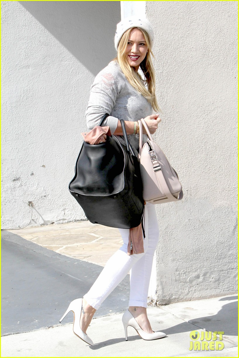 hilary duff beverly hills shopper with son luca 153057892