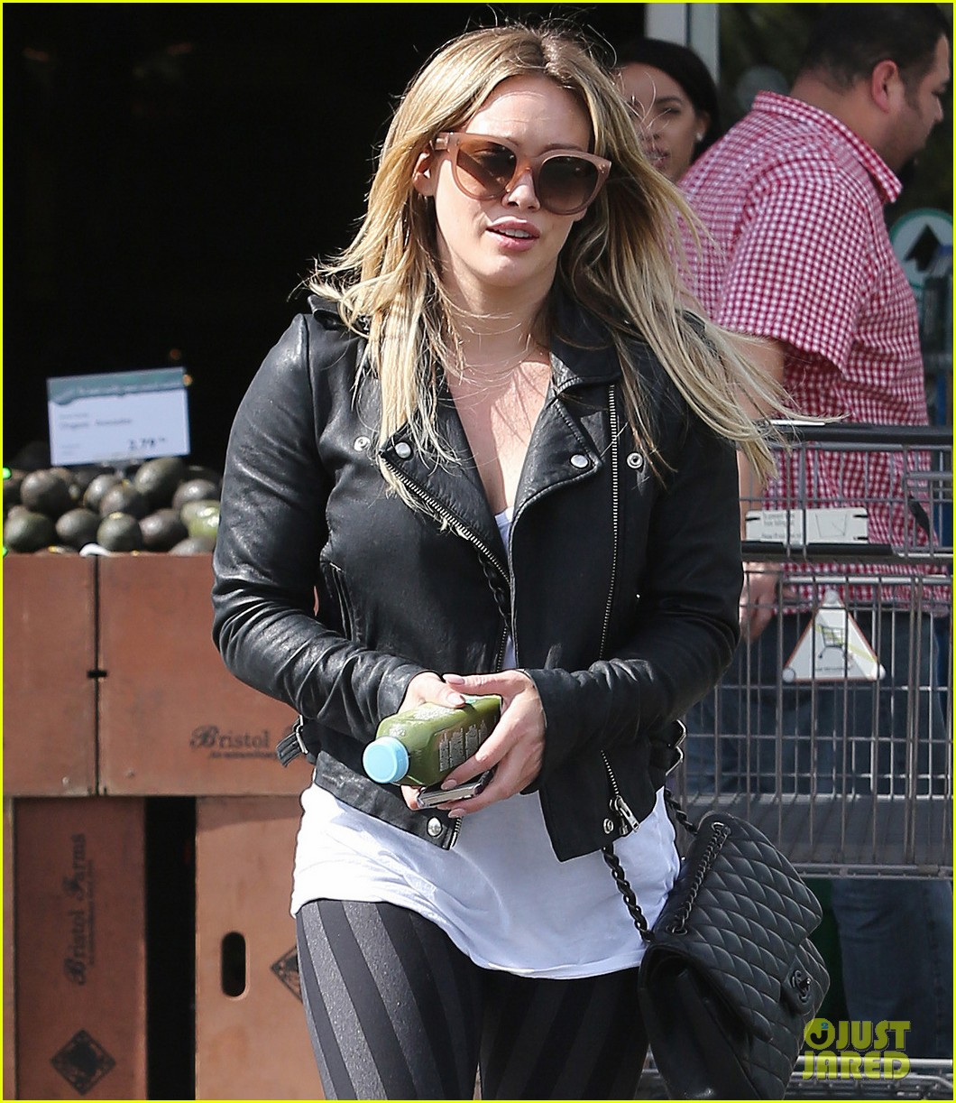 hilary duff beverly hills shopper with son luca 183057895