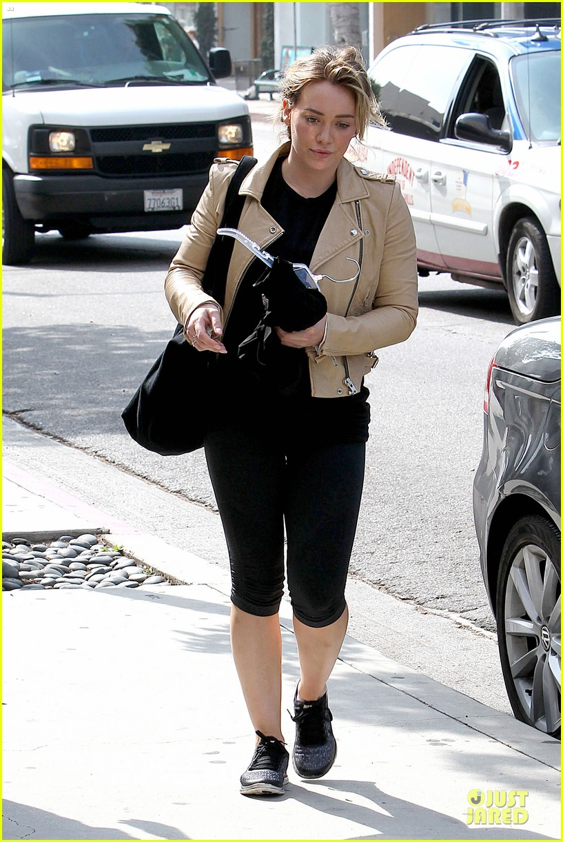 hilary duff fitness first following nyc trip 01
