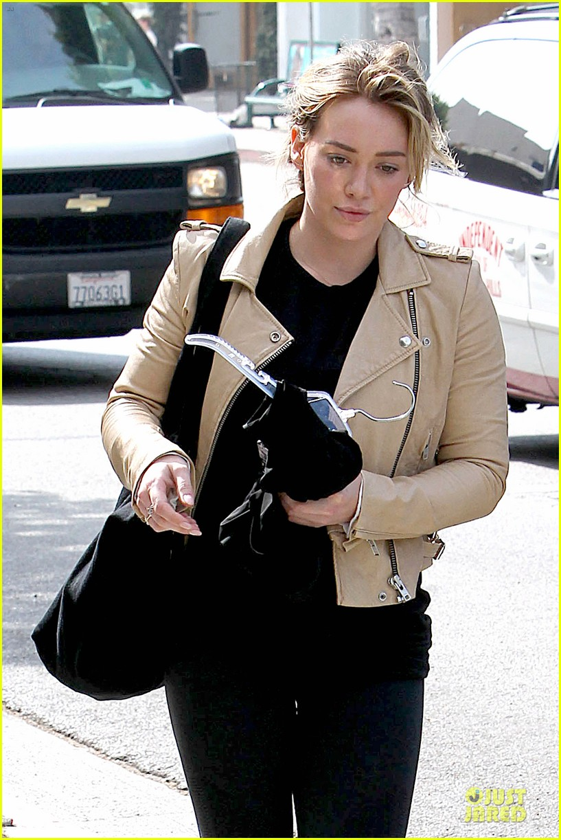 hilary duff fitness first following nyc trip 23