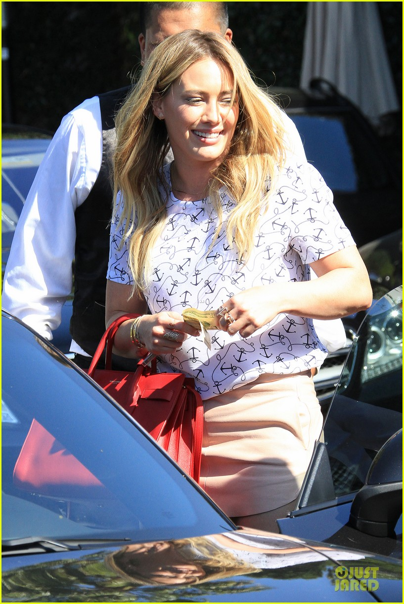 hilary duff groping allowed at cecconis 063058446
