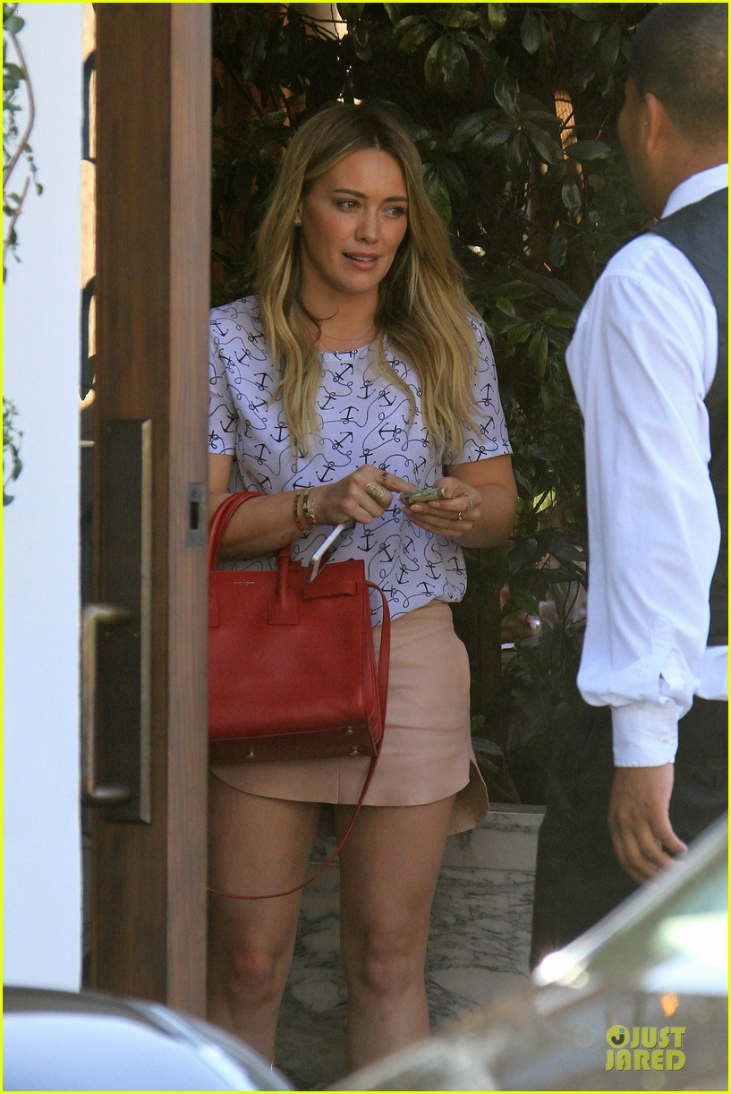 hilary duff groping allowed at cecconis 093058449