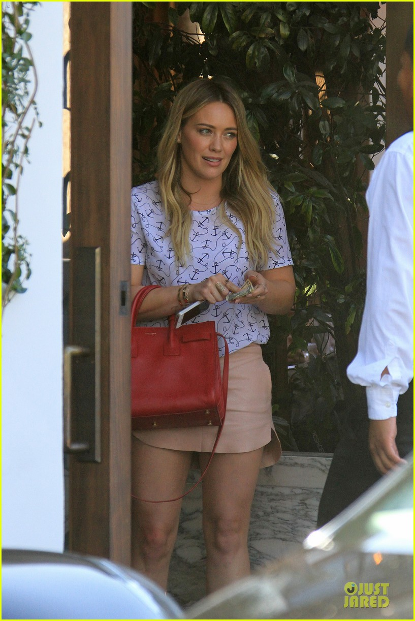 hilary duff groping allowed at cecconis 213058461