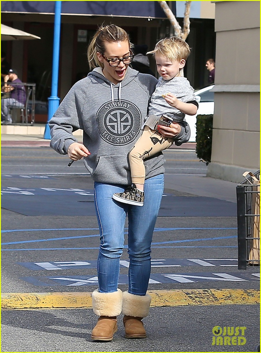hilary duff my son luca is basically picasso 043046926