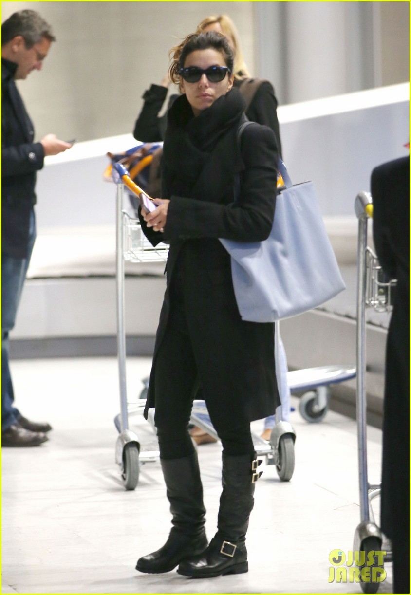 eva longoria arrives in france for loreal paris shoot 023047494