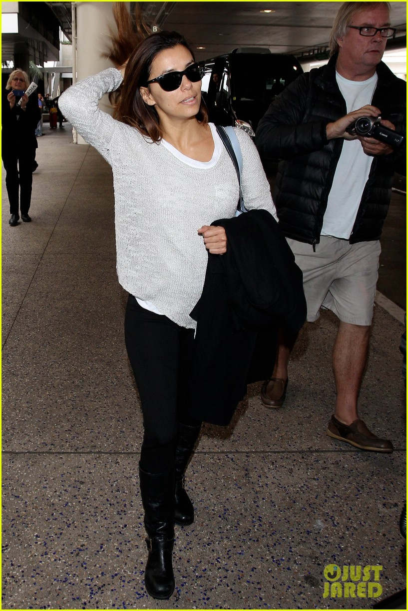 eva longoria back home after quick paris trip 143049103