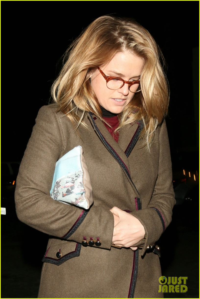alice eve hugs her mystery male goodbye after lunch 023057915