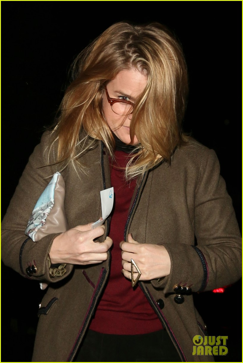 alice eve hugs her mystery male goodbye after lunch 093057922