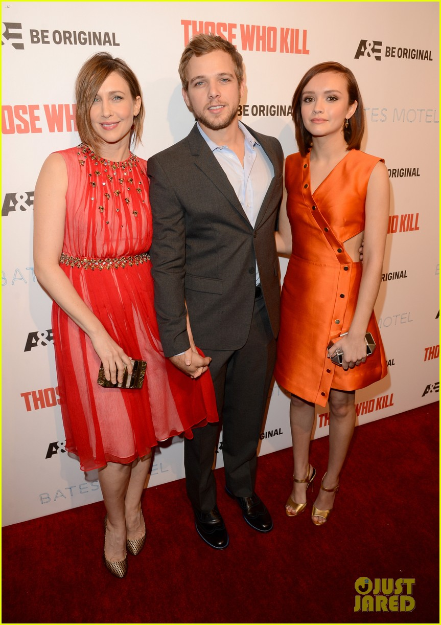 vera farmiga max thieriot celebrate bates motel season 2 033061356
