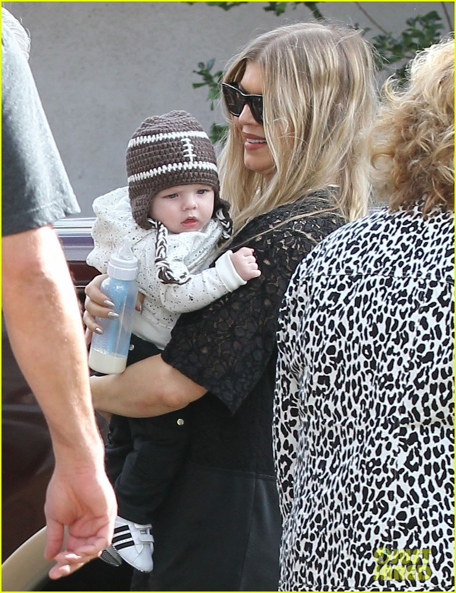 fergie find out baby axls thoughts on the super bowl 2014 043046706