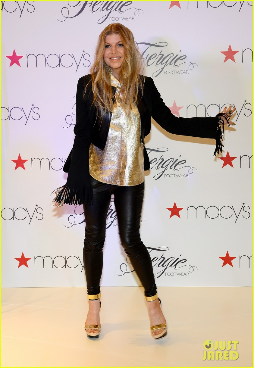 fergie takes vegas trip to the next level sees britney spears live 013057027