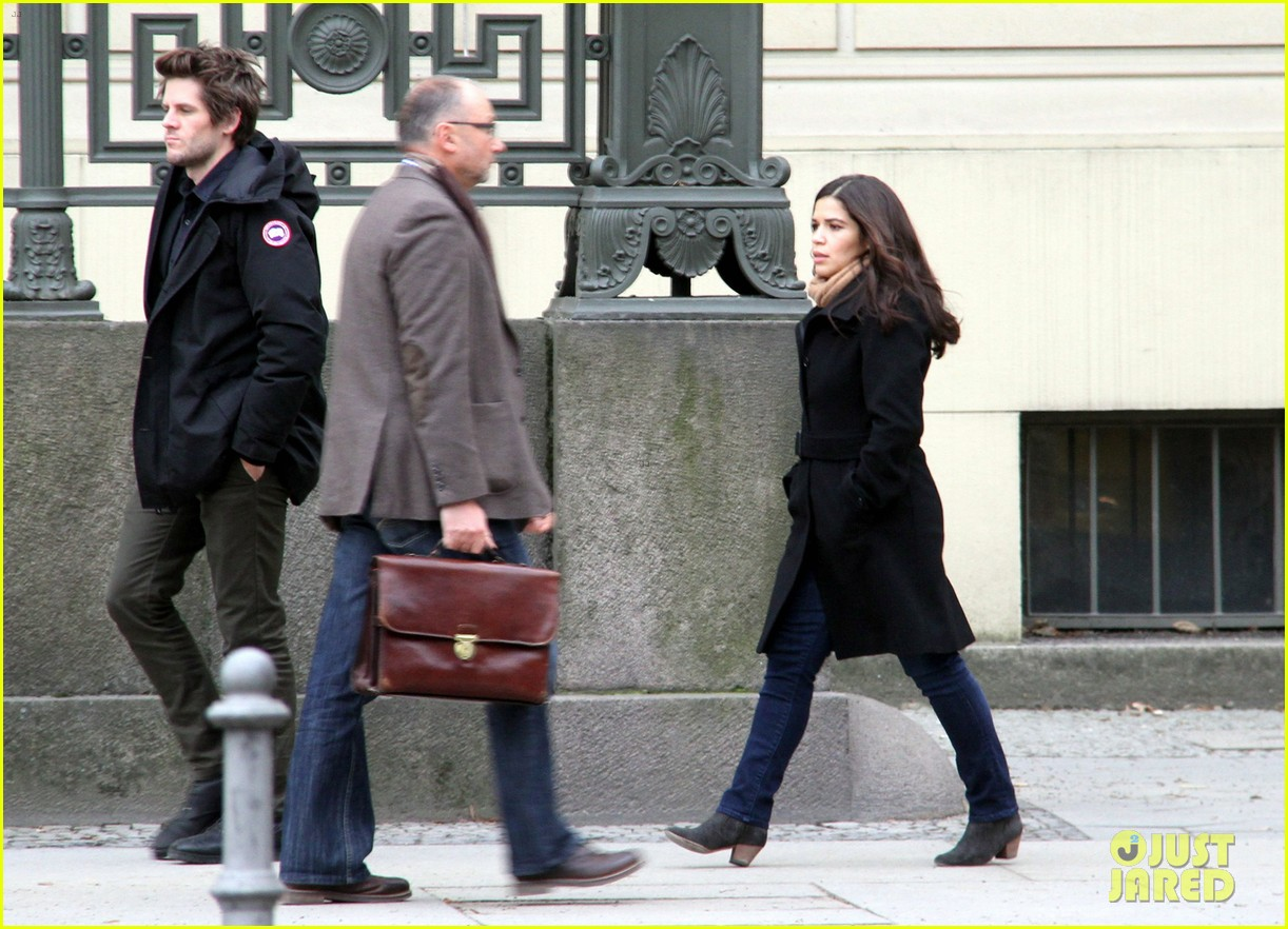 america ferrera goes sightseeing in berlin with her husband 053053259