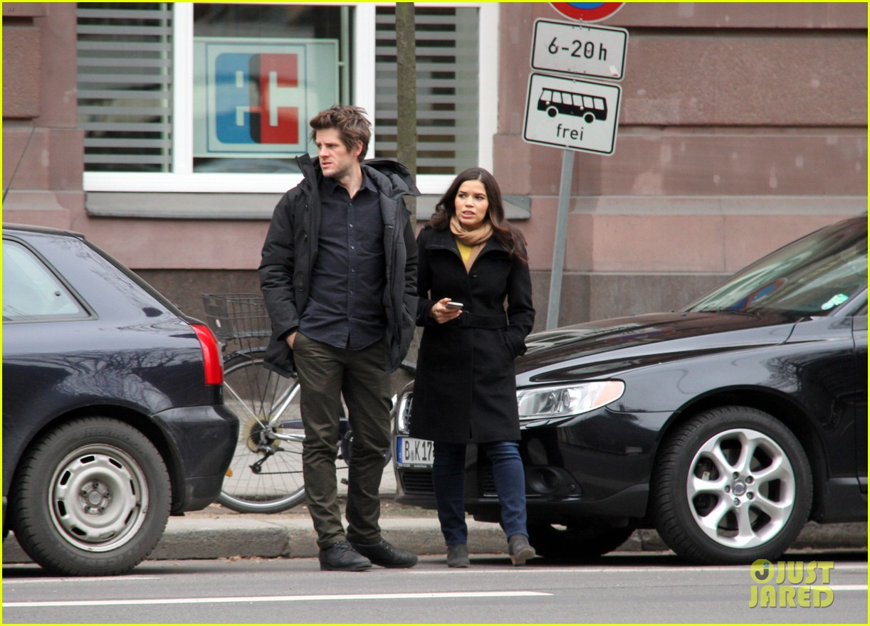 america ferrera goes sightseeing in berlin with her husband 113053265
