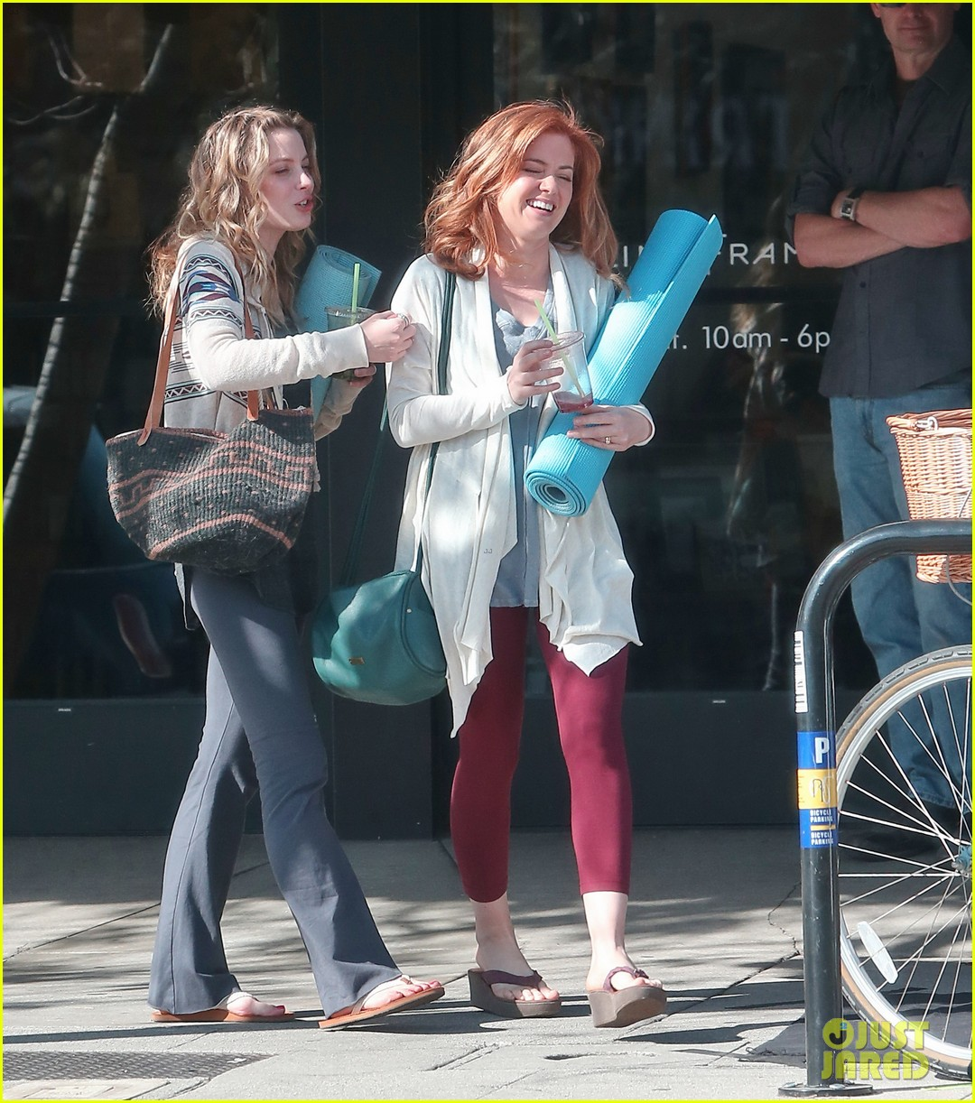 isla fisher gillian jacobs start work on horror flick visions 133052701