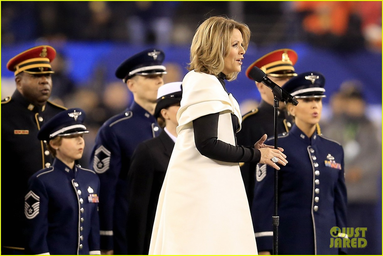 opera singer renee fleming sings national anthem at super bowl 2014 video watch now 013046552